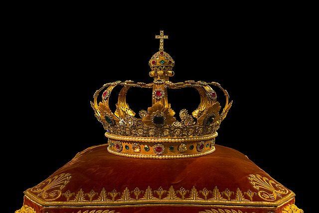 crown-759296_640