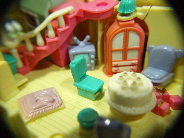 toy-388267_960_720