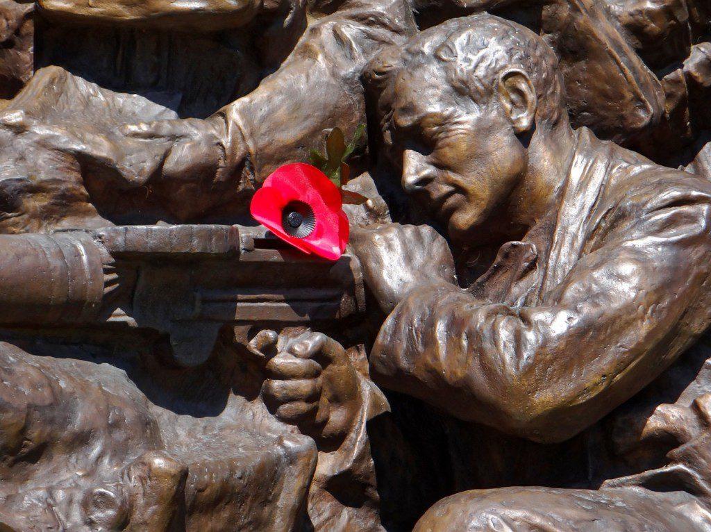 war-memorial-1191941_1280