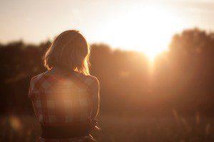 Sunset-Girl-Unsplash_01