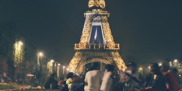 people-eiffel-tower-france-landmark