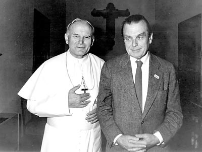 The poet with the pope.