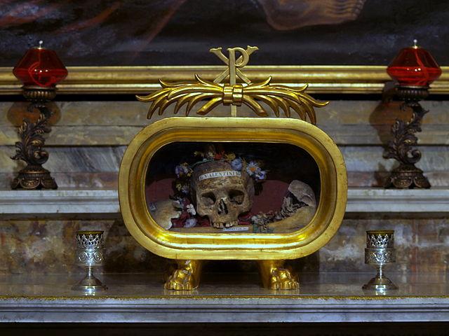 640px-Santa_Maria_in_Cosmedin_(Rome)_Skull_of_St._Valentini_._Valentini