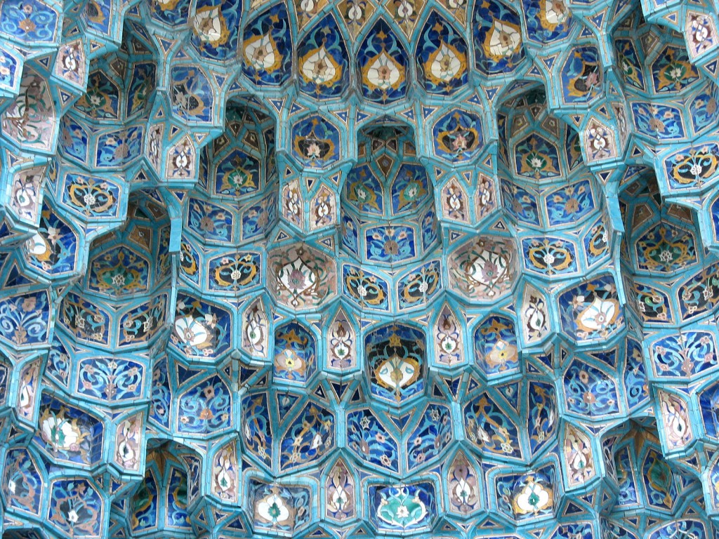This post has nothing to do with the relative weakness of Orthodoxy in Russia religiously pluralistic society (St.-Petersburg Mosque. Arabesques, date unknown; Source: Wikimedia Commons, Photo by Doomych, PD).