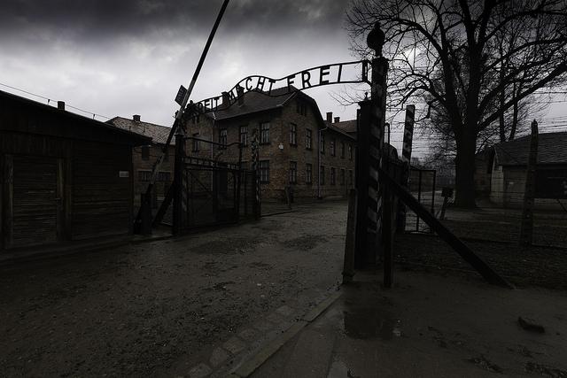 (Rodrigo Paredes, Auschwitz; Flickr, CC By 2.0)
