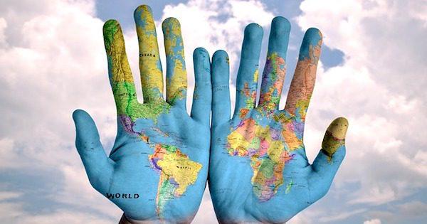 hands-600497_640