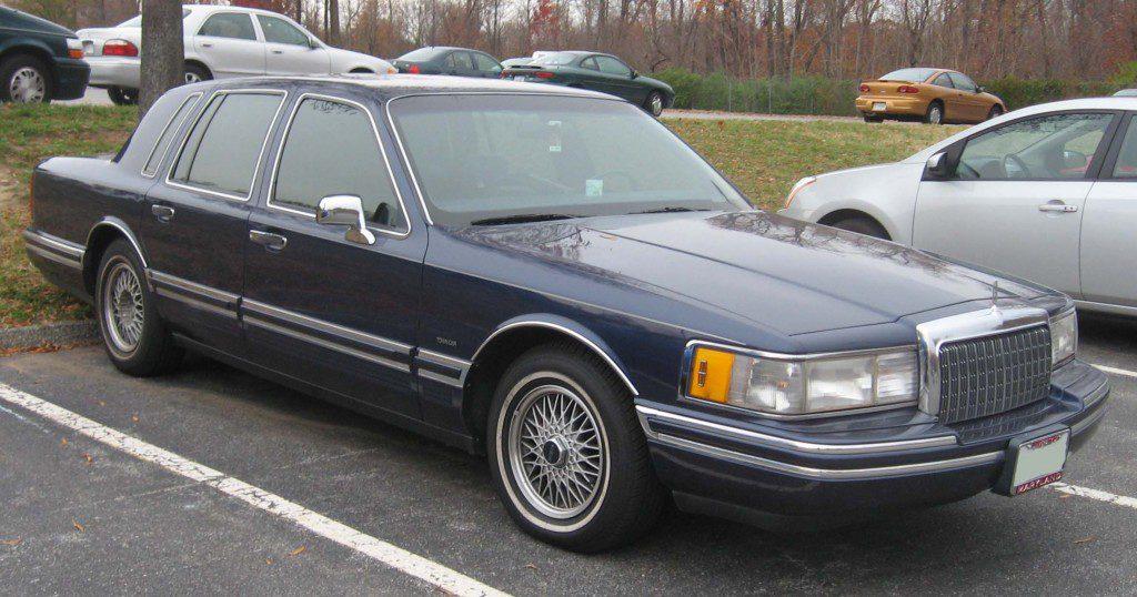 90-94_Lincoln_Town_Car