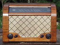 250px-Radio_Diora_Aga_RSZ50_1