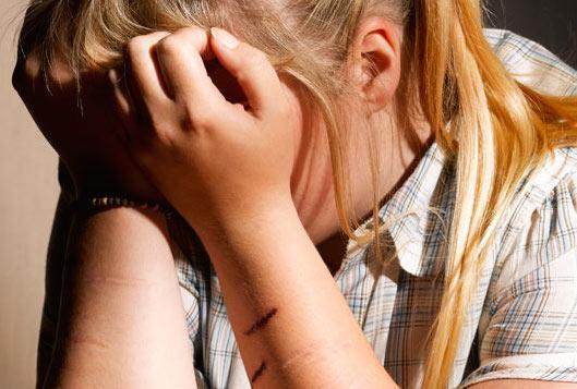 cutting teen