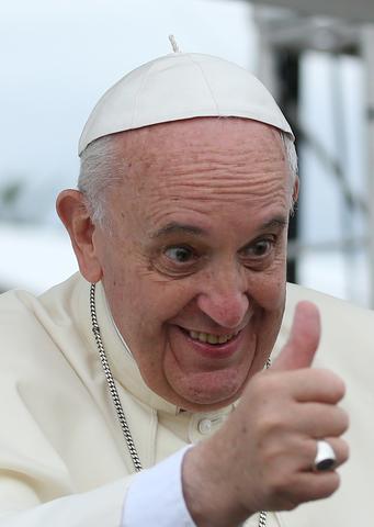 Pope_Francis_South_Korea_2014_(1)