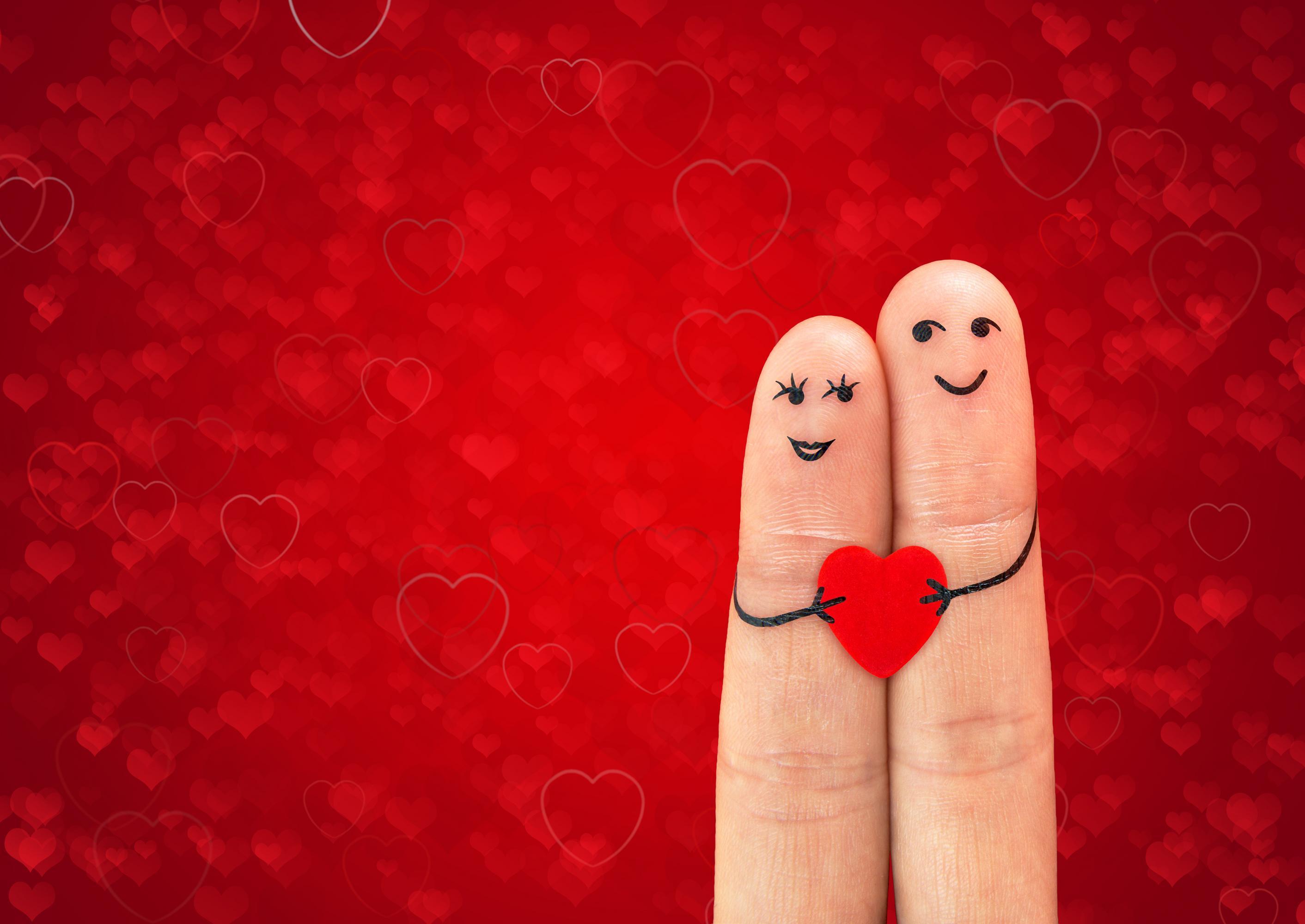 finger puppet in love