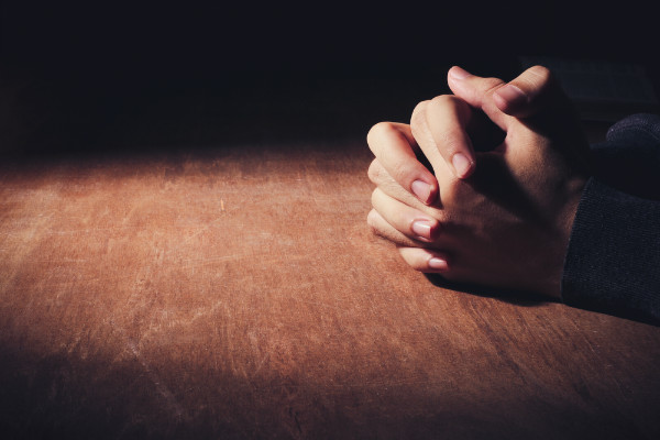 praying man hands