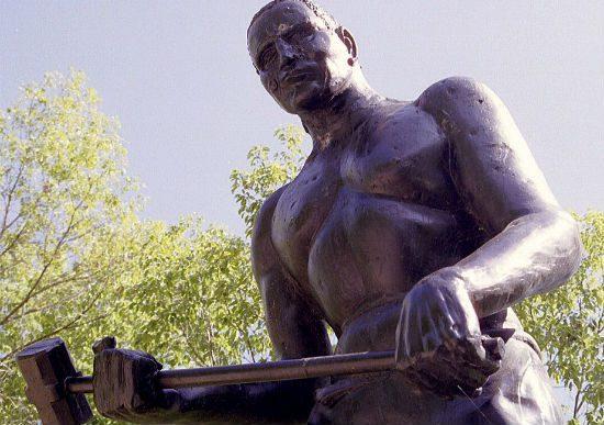 Statue of John Henry near the Big Bend Tunnel in West Virginia (Wikimedia photo by Ken Thomas)