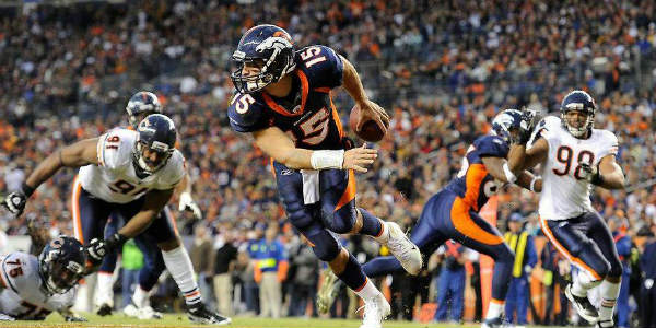 Tim-Tebow-action
