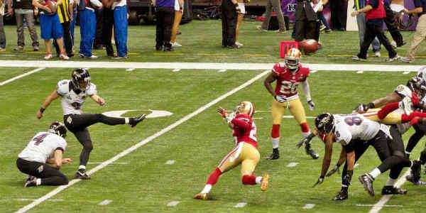 Justin_Tucker_kicks_field_goal_in_Super_Bowl_XLVII