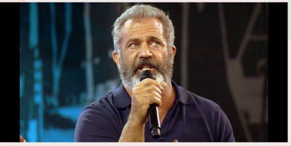 Mel-Gibson-Greg-Laurie-Passion-Christ-Hacksaw-Ridge