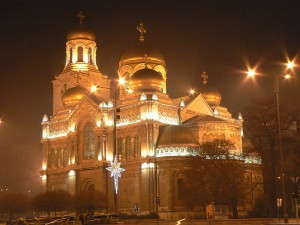Cathedral at christmas in Varna, Bulgaria, by Dian1981, Wikimedia Commons