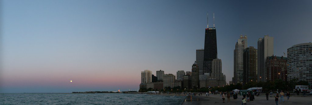 https://commons.wikimedia.org/wiki/File%3AChicago_Lakefront.jpg; By Daniel Schwen (Own work) [CC BY-SA 4.0 (http://creativecommons.org/licenses/by-sa/4.0)], via Wikimedia Commons