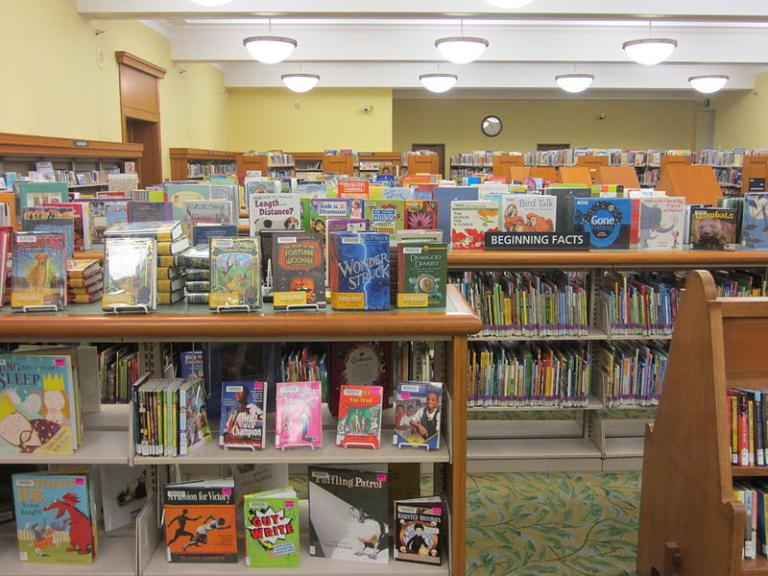 https://commons.wikimedia.org/wiki/File%3APortland_Central_Library%2C_Oregon_(2012)_-_114_-_Children's_Library.JPG; By Another Believer (Own work) [CC BY-SA 3.0 (http://creativecommons.org/licenses/by-sa/3.0)], via Wikimedia Commons