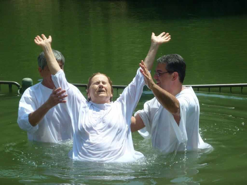 https://pixabay.com/en/baptism-christianity-jordan-river-1959655/