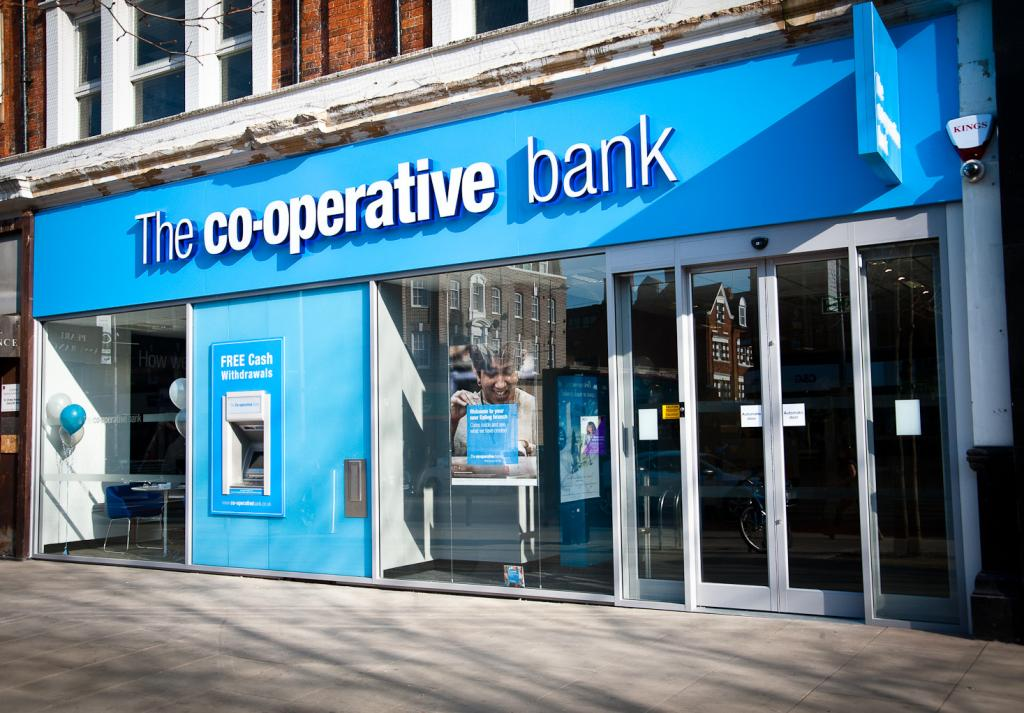 https://commons.wikimedia.org/wiki/File%3AThe_Co-operative_Bank_-_Ealing_(9415463884).jpg; By The Co-operative (The Co-operative Bank - Ealing) [CC BY 2.0 (http://creativecommons.org/licenses/by/2.0)], via Wikimedia Commons