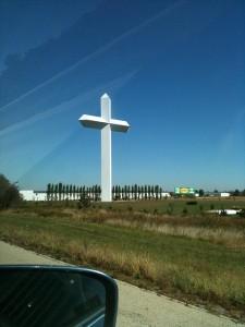 Photo of a giant cross in MO, taken through a car window