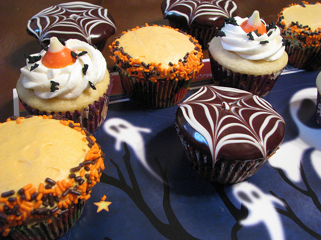 Perfect cupcakes for this time of year! (Credit: tawest64, CC license.)