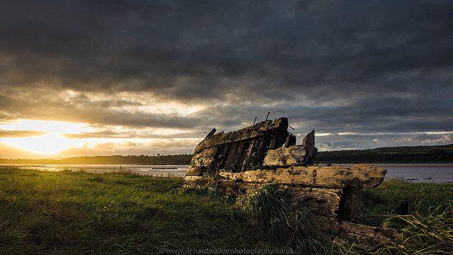 A Ship's Graveyard. Richard walker, CC.)