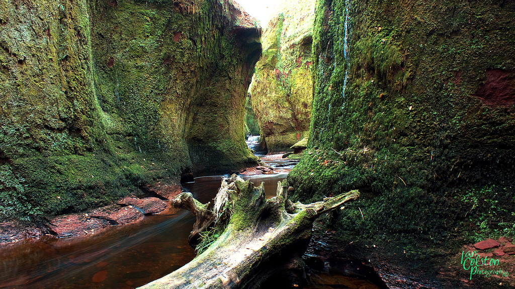 """This gorge is called """"The Devil's Pulpit."""" (Ian....See, CC.)"""