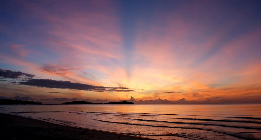 Sunrise by Lisa Tancsics Used via Creative Commons