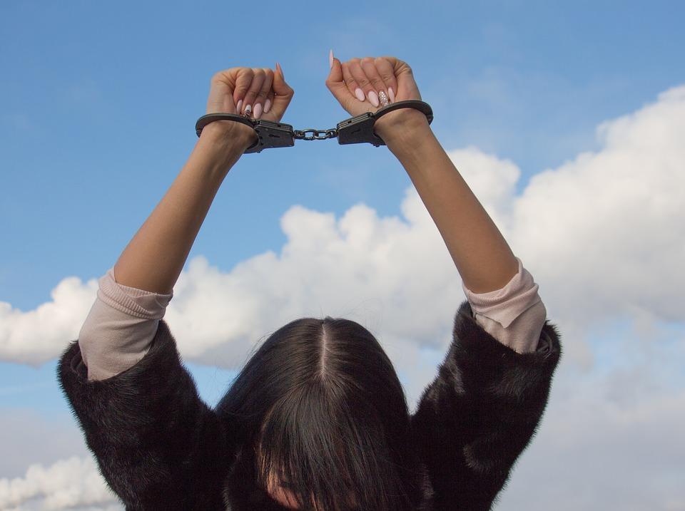 shackles-1875451_960_720