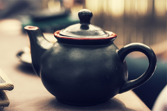 A tea pot in its place - CC0 Public Domain Free for commercial