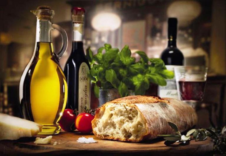 bread_wine_oil_tomato_basilic_still_life_hd-wallpaper-1833199