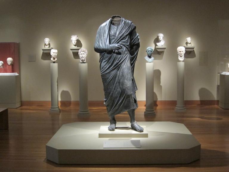 statue-273965_1920