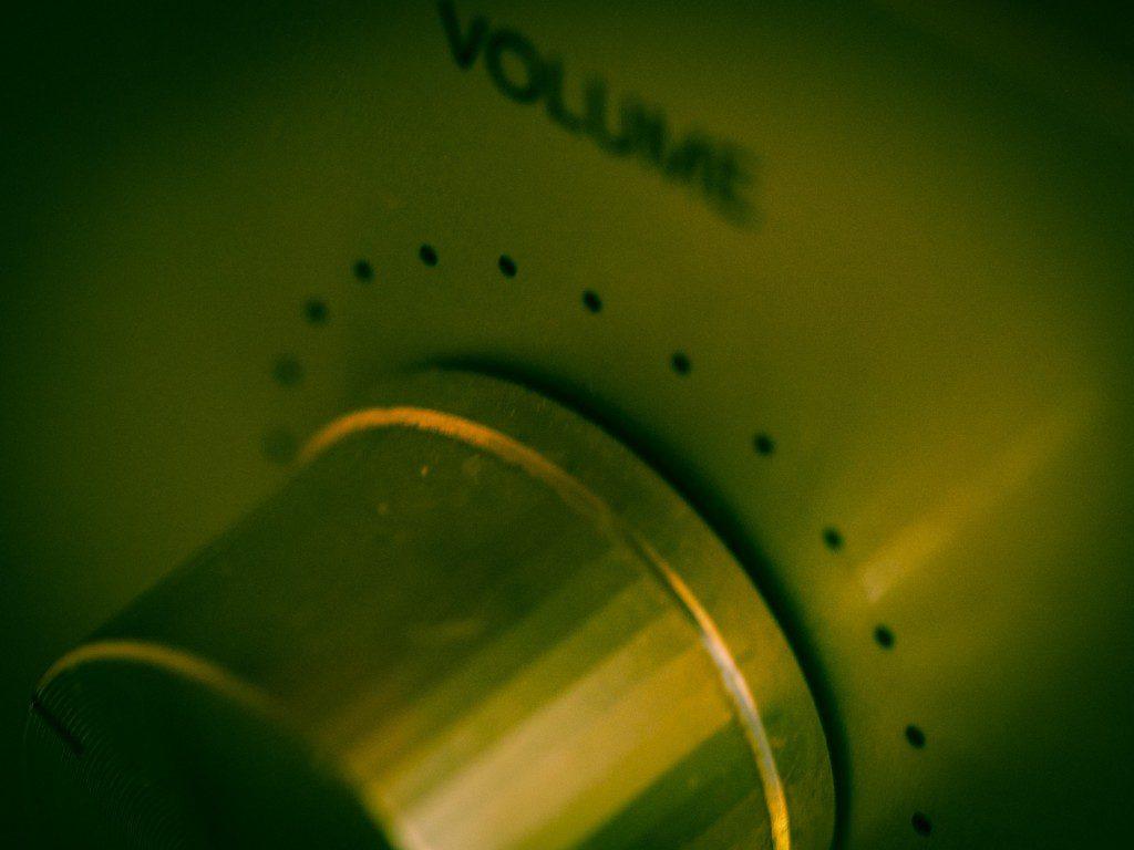 volume-949241_1920