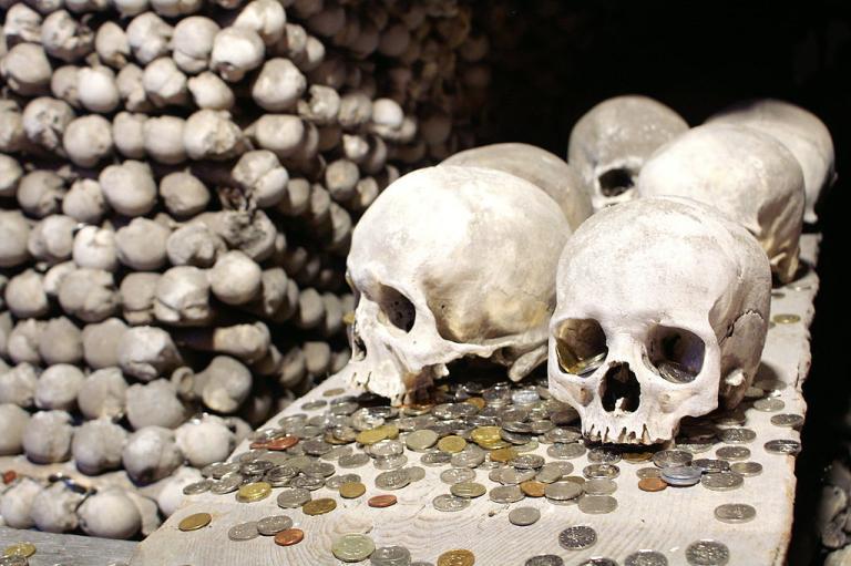 1024px-Sedlec_Ossuary_-_Kutná_Hora