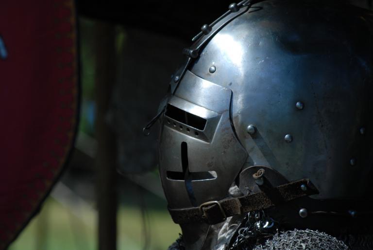 medieval-helmet-1052249_1920