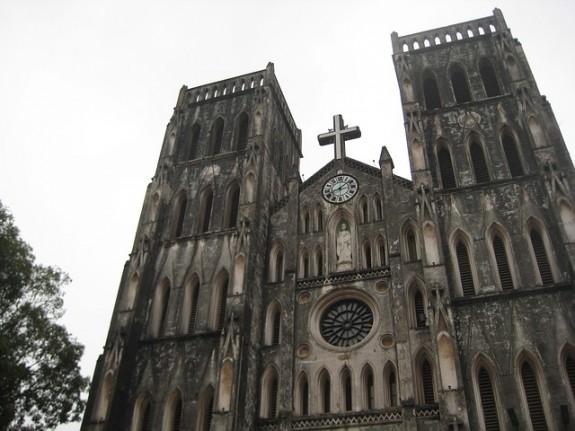 catholic-church-270824_640