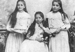 Kafka's sisters.