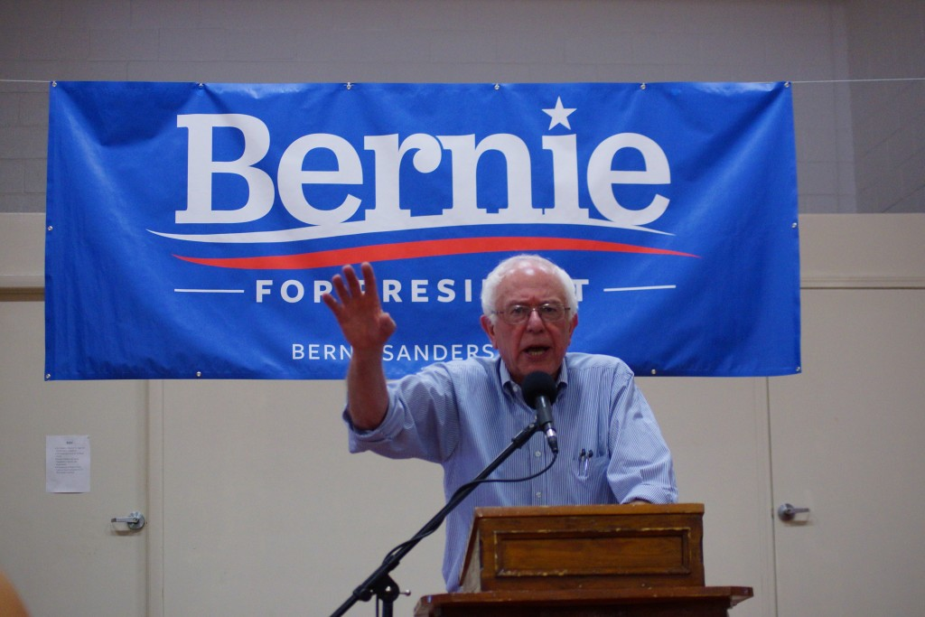 Bernie-sanders-franklin-nh-20150802-DSC02574_(Modified)_(20054491688)