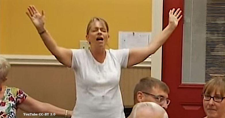 Okaloosa_County_School_Board_Prayer_Chaos_2