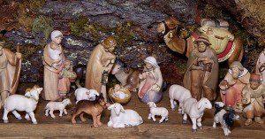 christmas-crib-figures-1080132_640_opt