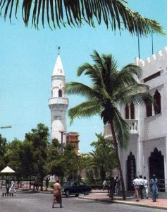 An avenue in downtown Mogadishu in 1963. Photo credit: Somaliweyn via Wikimedia Commons / CC BY-SA 3.0