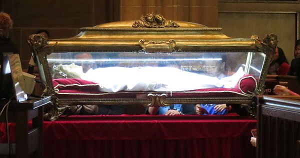 Major_Relics_of_St-1._Maria_Goretti_in_St._Joseph_Cathedral_(Columbus,_Ohio)