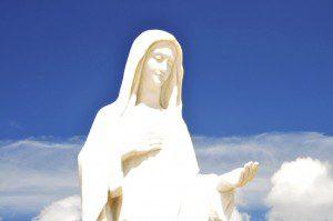 Statue_of_Virgin_Mary_in_Medjugorje_-_Bosnia_Herzegovina_-_Creative_Commons_by_gnuckx_(4693704796)