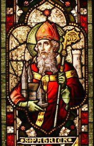 Saint Patrick Stained Glass Window. By Sicarr (Flickr) [CC BY 2.0 (http://creativecommons.org/licenses/by/2.0)], via Wikimedia Commons
