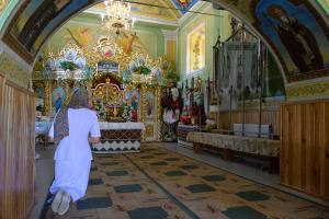 Exaltation_of_the_Holy_Cross_Church_Monastyrok