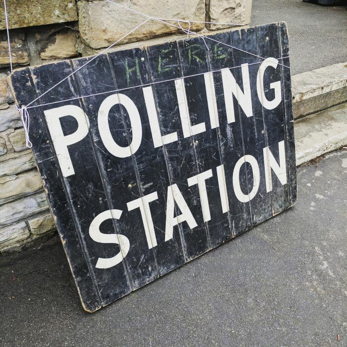 polling-station-2643466_1280