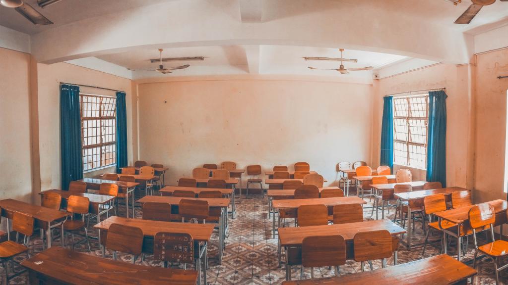 Image of empty classroom.