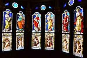 stained-glass-886620_640